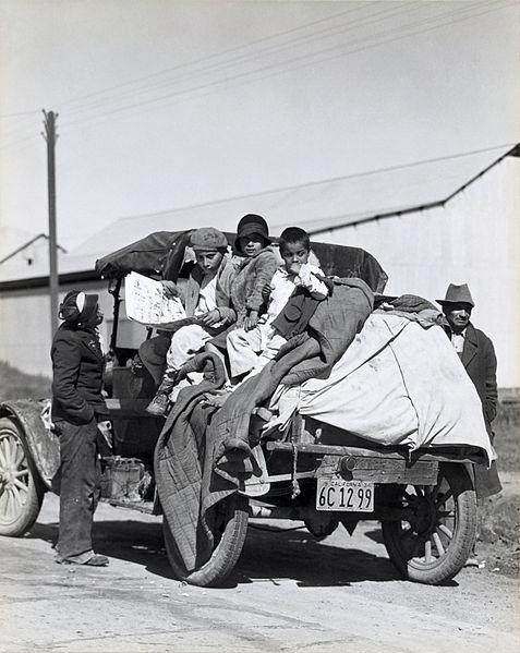 Dorothea Lange [Public domain], via Wikimedia Commons