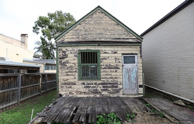 Example of the Australian housing bubble. This shack sold for a million dollars.