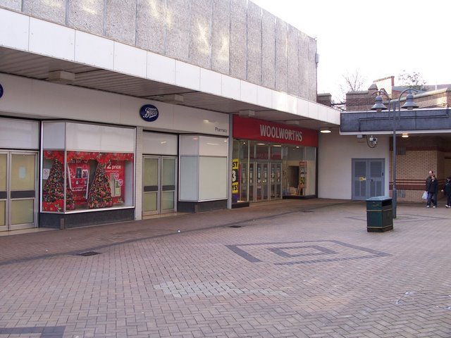 retail apocalypse closing stores Thomas Nugent/The Oak Mall