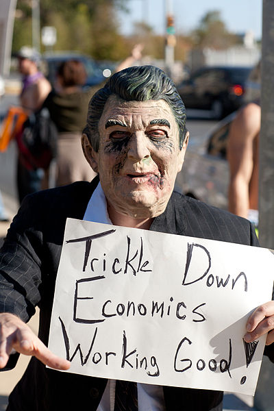 By Charlie Llewellin (Flickr: Occupy Austin) [CC BY-SA 2.0 (http://creativecommons.org/licenses/by-sa/2.0)], via Wikimedia Commons